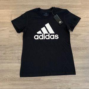 ADIDAS T-shirt - NWT ✨